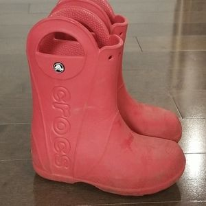 2/15$ Kids rain boots